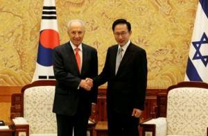 הנשיא שמעון פרס ונשיא קוריאה לי מיונג-בק